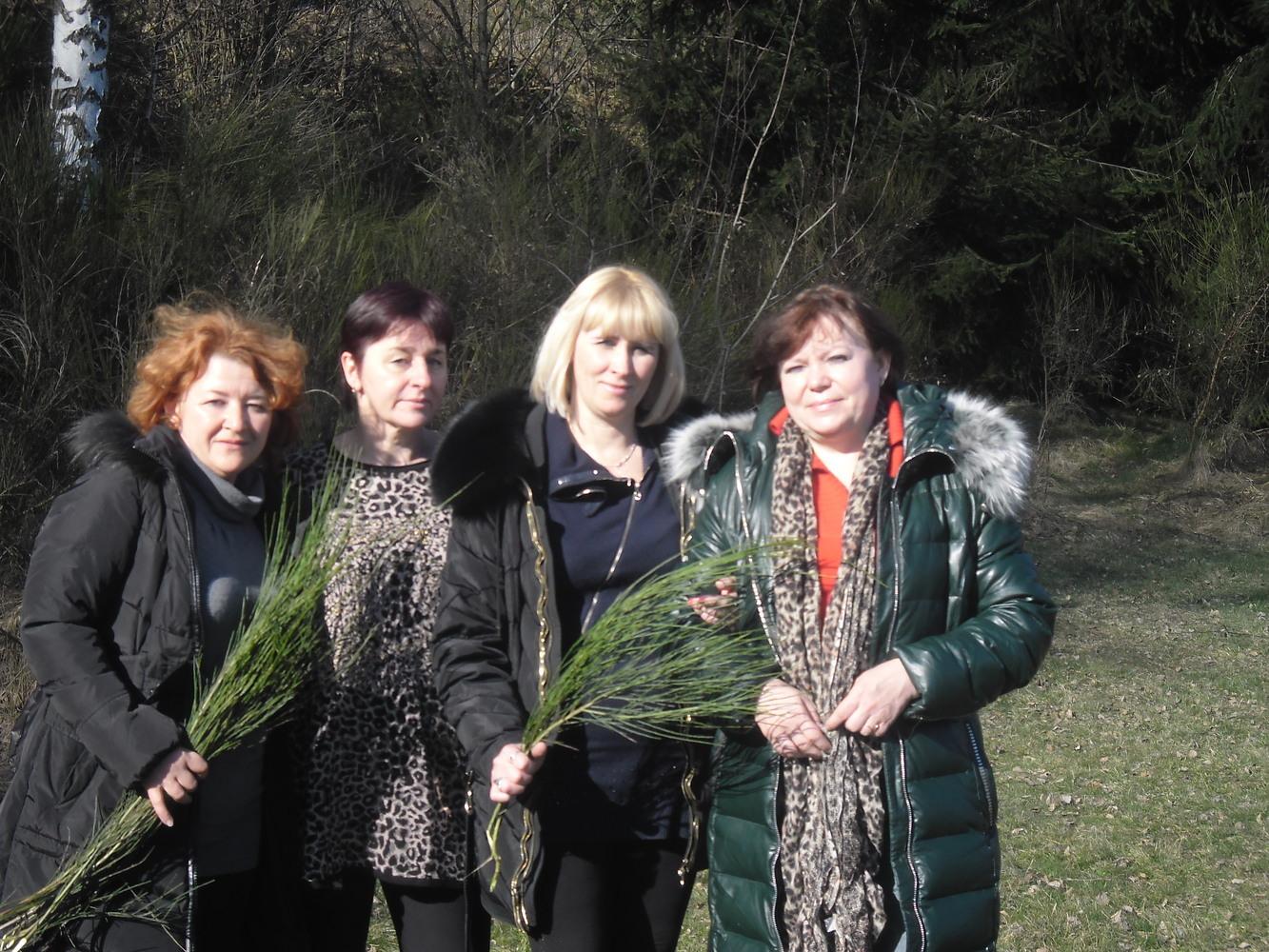 14 березня Image: 8 марта 2015 года в Берегово / Лариса и Татьяна