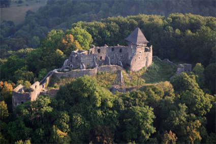 Или искал Жюль Верн вдохновение среди призраков Невицкого замка ...